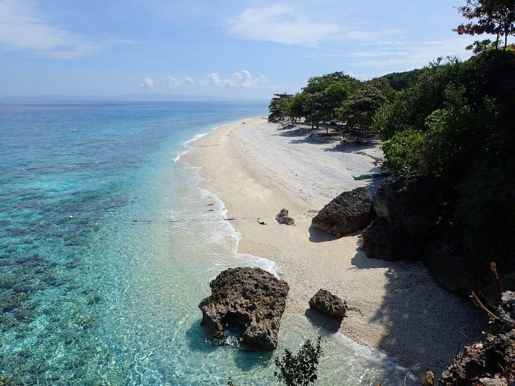 セブ島のビーチサイドを上空から撮影した写真
