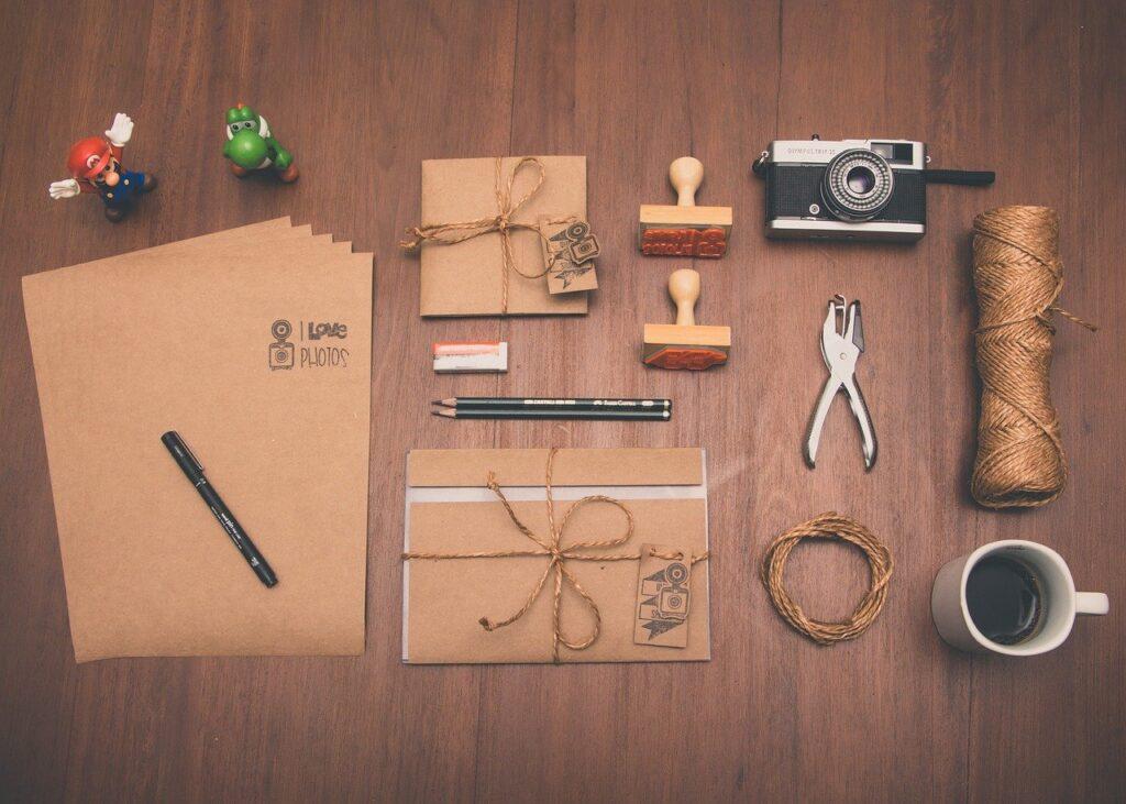 手紙や封筒などの雑貨の写真